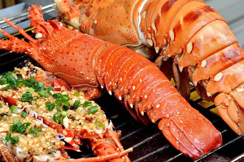 Dịch vụ nấu ăn cao cấp với các món hảo hạng từ tôm hùm
